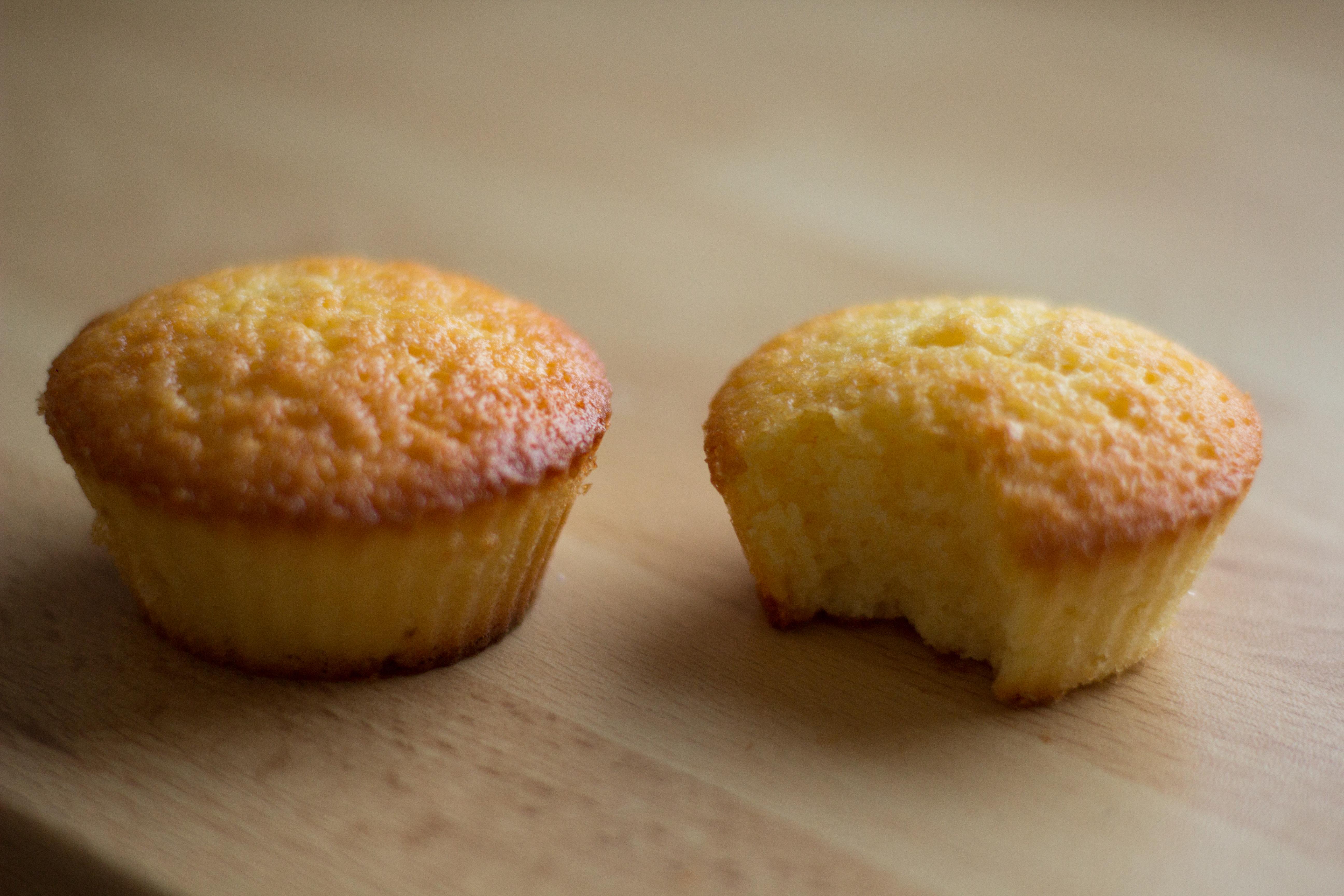 mini cakes moelleux au citron escarpins en cuisine. Black Bedroom Furniture Sets. Home Design Ideas